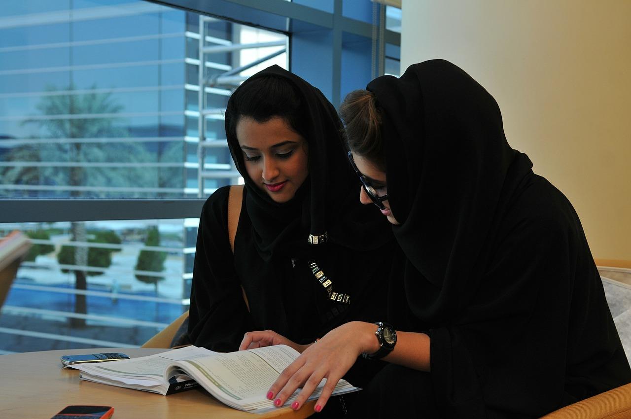 Nők is nyertek a választásokon Szaúd-Arábiában
